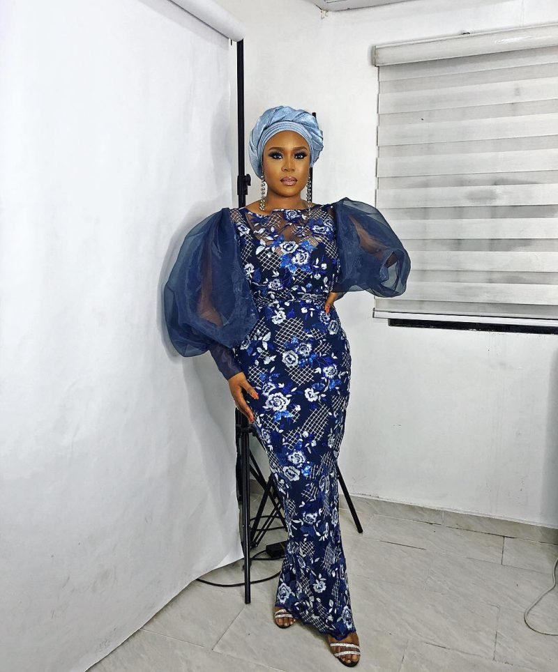 Mimi Onalaja styles