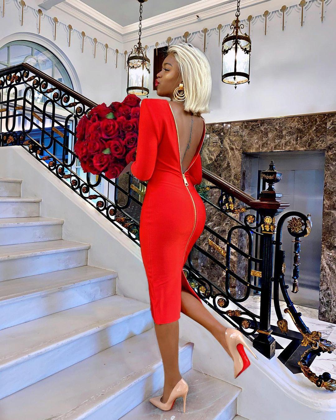 Marii Pazz Slays In Stunning Red