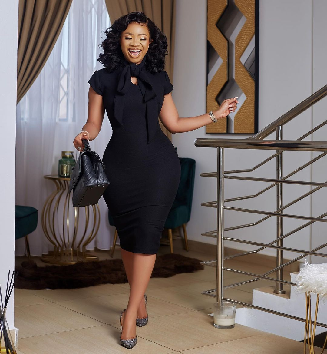 Serwa Amihere Sets A Classy Formal Outfit Trend