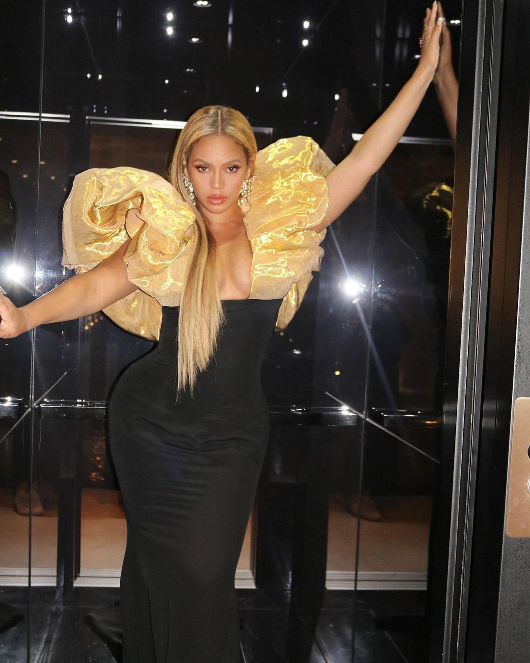 Beyonce Knowles Keeps It Perfect For An Event