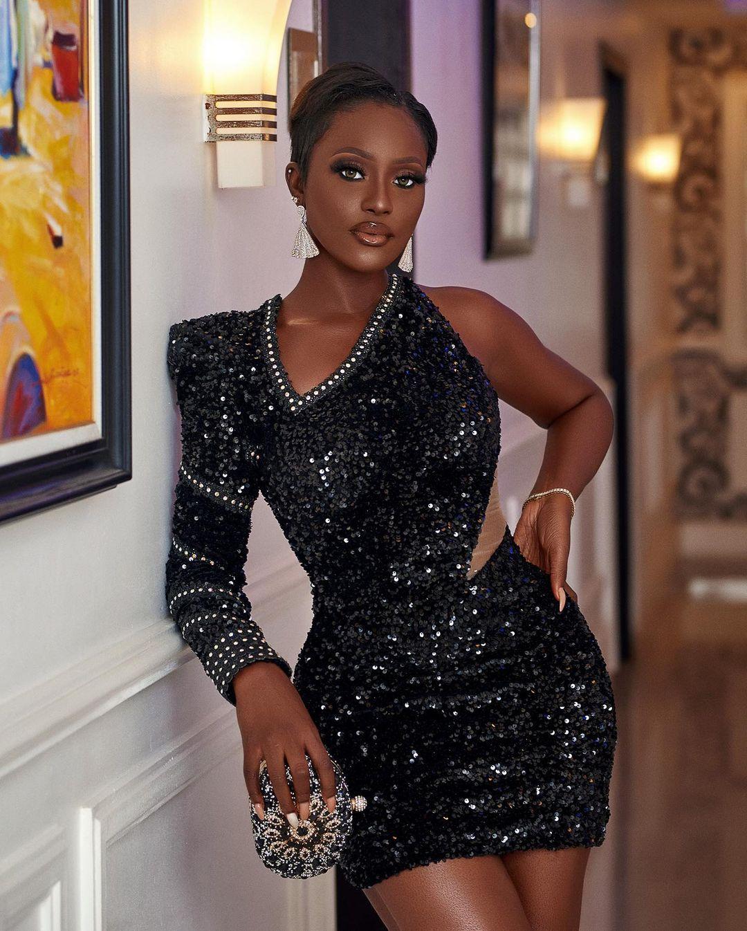 Linda Osifo Keeps It Bold In Micro Gown