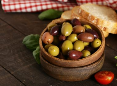 Kalamata Red and Green Olives health benefits and nutrition