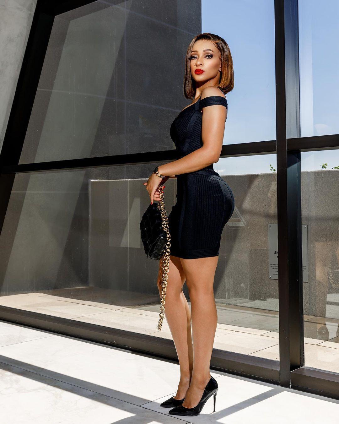 Chilla Macame: Sleek Black Party Dress