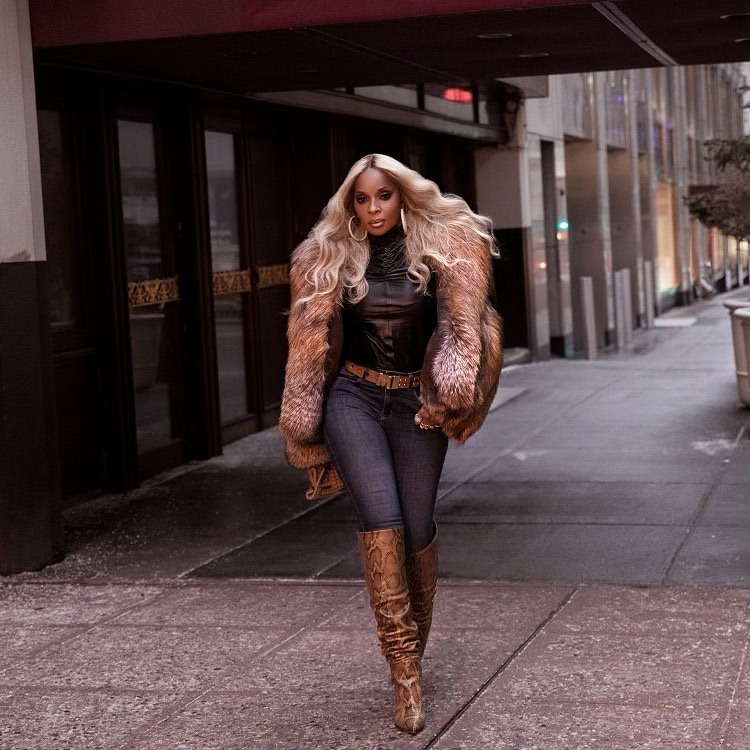 Mary J Blige Keep It Sassy With In Fur