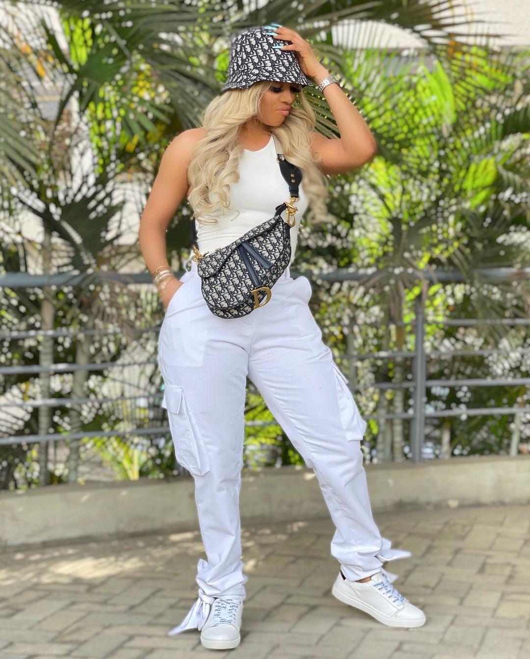 Toke Makinwa- Stylish Outfit